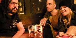 Συνέντευξη 2 by bukowski:  Όταν κάναμε τα τρία singles αποφασίσαμε ότι ακούγoνται σαν 2 by bukowski, κι έτσι είμαστε τώρα εδώ.